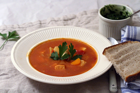 tomatisert-fiskesuppe