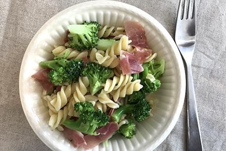 Pasta med brokkoli og ost