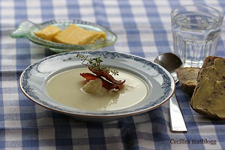 blomkålsuppe med parmesan og bacon