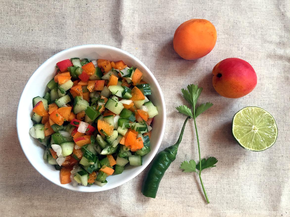 Salsa med agurk og aprikos