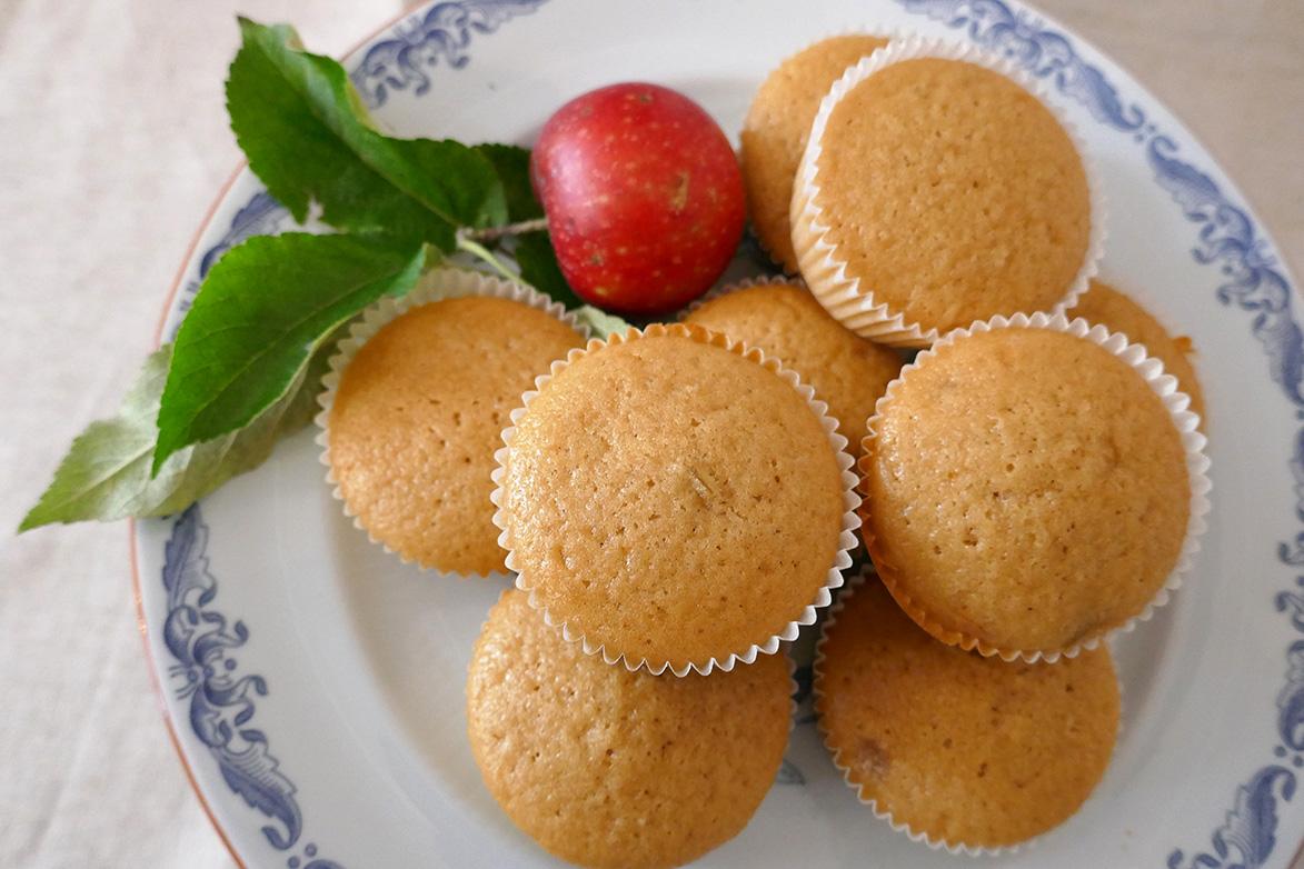 Eple og karamellmuffins